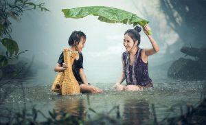 famille-pluie-heureuse